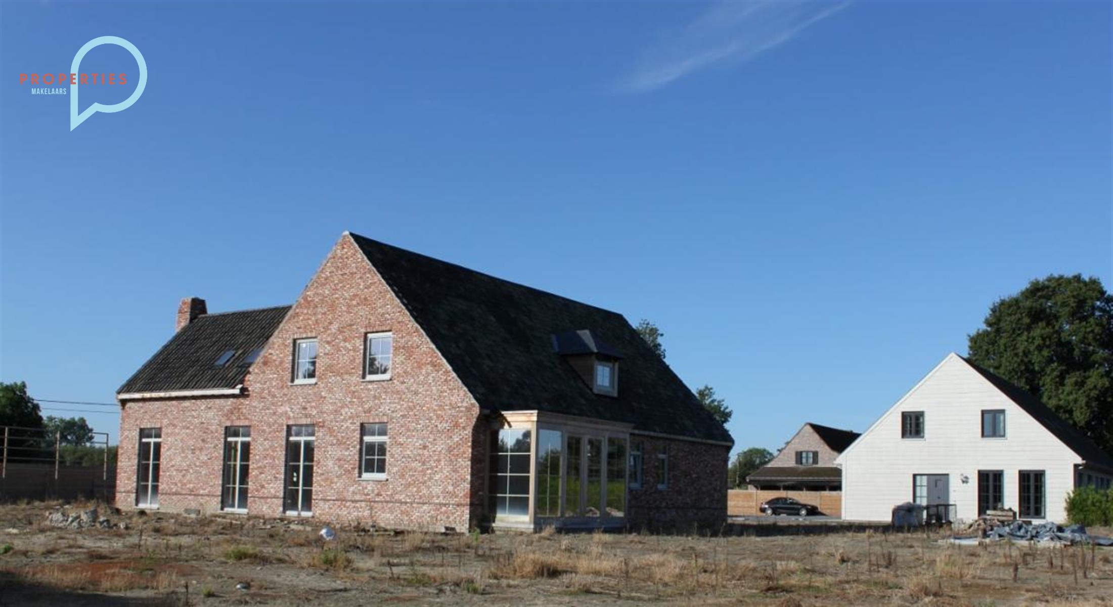 Prachtige nieuwbouwvilla met poolhouse en carport te koop Deinze-Astene!!!