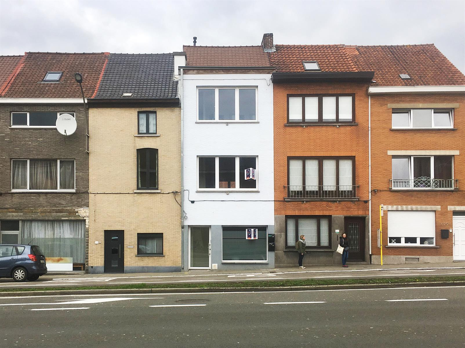 Opbrengsteigendom handelsruimte + 3 SLPK appartement