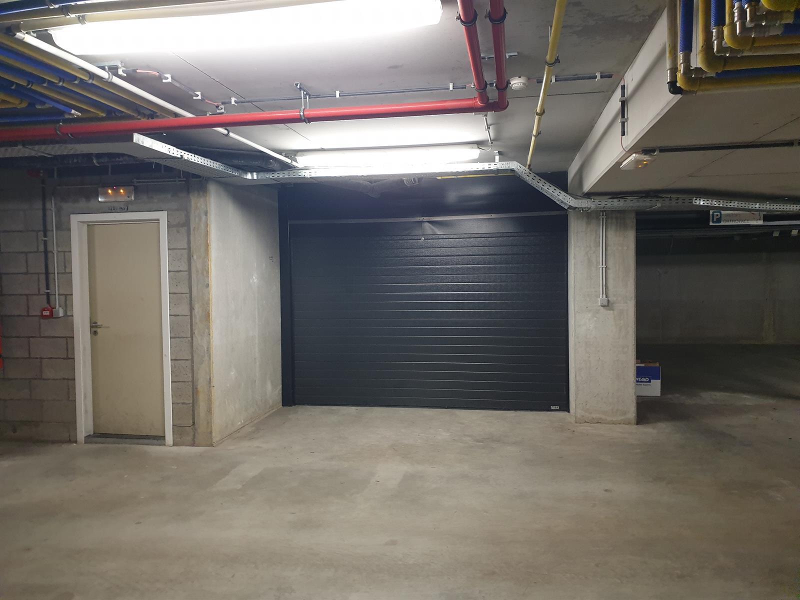 Goed gelegen ondergrondse garagebox te St-Martens-Latem
