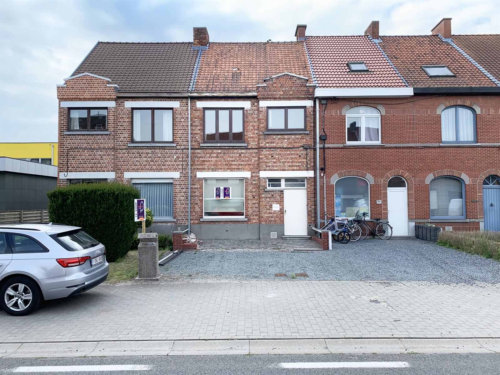 Charmante te renoveren woning in Deinze